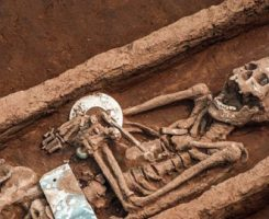 کشف بقایای انسانیهای غولپیکر 5000 هزارساله در چین