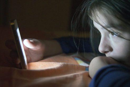 نوموفوبیا یا اضطراب جدایی از گوشیهای هوشمند چیست؟