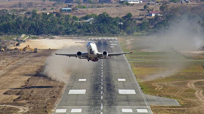 محققان در مطالعه خود اشاره کردهاند که برخی از هواپیماها باید ظرفیت سوخت و وزن محموله خود را در طول روزهای گرمتر تا 4 درصد کاهش دهند. این میتواند به کاهش 12 تا 13 مسافر در هواپیمایی با ظرفیت 160 مسافر منجر شود