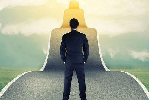 هرگز به این فکر نکنید که موفقیت تنها از راه سخت کوشی به دست می آید!