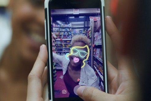 آپدیت فیس بوک کمرا از گیف و آپشن های جدید لایو پشتیبانی می کند