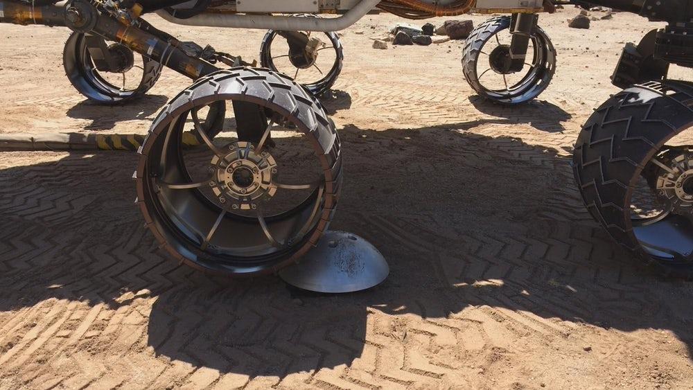 کریاسیتی پیچیدهترین کاوشگری است که ناسا به مریخ فرستاده است. کریاسیتی دارای شش چرخ است و 3 متر طول، 2.8 متر عرض و 899 کیلوگرم وزن دارد