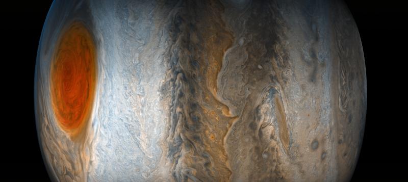 سیاره مشتری احتمالا زیباترین چیزی است که در منظومه شمسی خود شاهد آن هستیم. جالب اینجاست که ظاهر این سیاره دائما در حال تغییر و دگرگونی است.