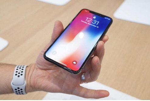 ۵ ویژگی آیفون ایکس اپل که آن را با گوشیهای پرچمدار اندروید تقریبا هم سطح میکنند!