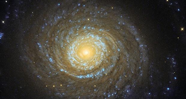 تصاویر نجومی هفته : کهکشان های مارپیچی غول های گازی مرموزی هستند!