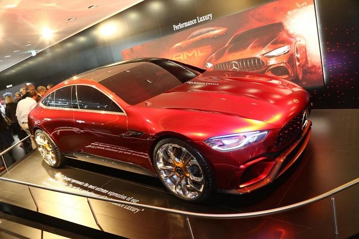 خودروهای جذاب دیگر مرسدس در این نمایشگاه از جمله خودروی مفهومی AMG GT ....