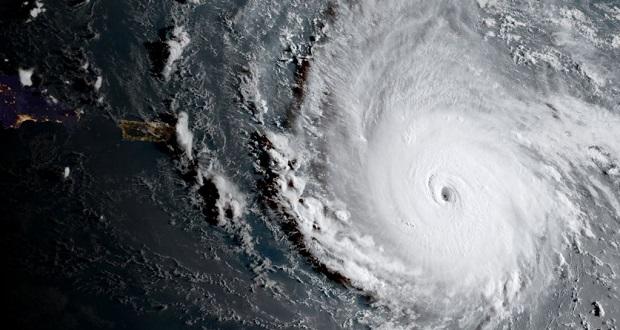 طوفان ایرما؛ مهیب ترین طوفان آمریکا در 10 سال گذشته با سرعت 300 کیلومتر در ساعت!