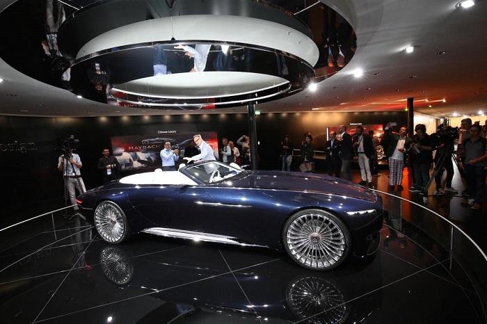 مرسدس میباخ 6 کابریولت با زیبایی خیره کننده نیز به نمایش گذاشته شد که قطعا یکی از جذاب ترین ماشین های نمایشگاه خودروی فرانکفورت 2017 به شمار می رود.