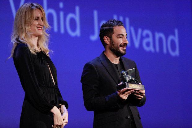 نوید محمدزاده برنده جایزه بهترین بازیگری بخش افق های نو در جشنواره فیلم ونیز 2017