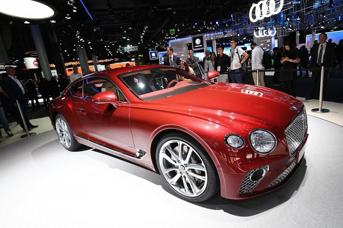 برند بنتلی از گروه خودروسازی فولکس واگن نیز نسل سوم کوپه کانتیننتال جی تی (Continental GT) را معرفی کرد.