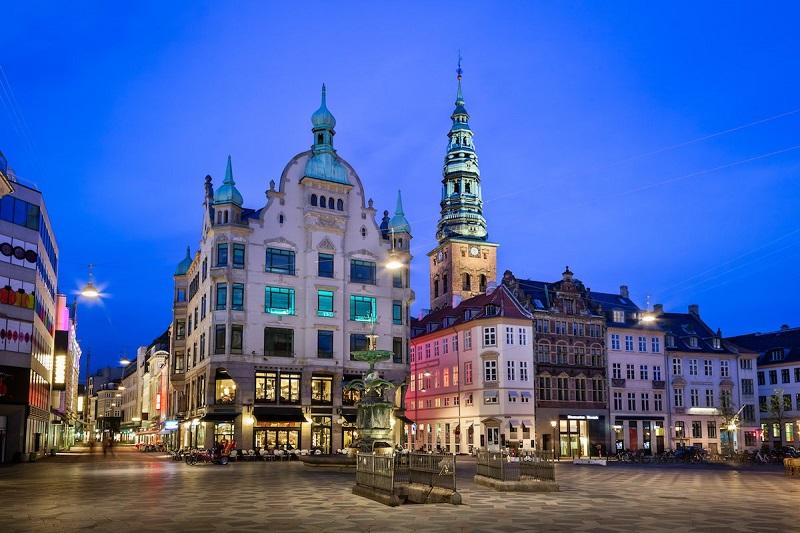 3. دانمارک – این کشور اسکاندیناوی از سال گذشته تا به حال یک رتبه سقوط کرده؛ با اینحال رتبه اول خود در تجارت مرزها را حفظ کرده است. دانمارک از لحاظ گرفتن اعتبار در رتبه 32 قرار دارد.