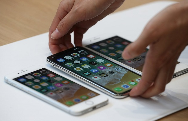 آیفونهای جدید اپل، پنل پشتی شیشهای دارند و بنابراین آیفون 7 مقاومت بیشتری دارد