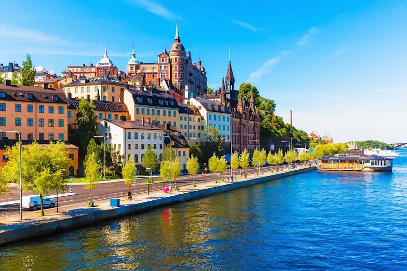 9. سوئد – این کشور از سال گذشته تا به حال در همین مقام باقی مانده است. هرچند که از نظر انرژی الکتریسیته به مقام 6 رسیده و از نظر گرفتن اعتبار در رتبه 75 قرار دارد.