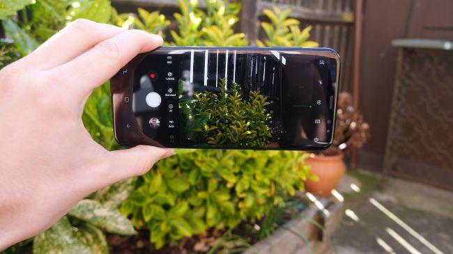 مقایسه گوگل پیکسل 2 با گلکسی اس 8 سامسونگ: دوربین و باتری