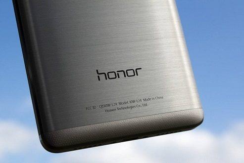 گوشی هواوی آنر وی ۱۰ با نمایشگر تمام صفحه خودنمایی خواهد کرد