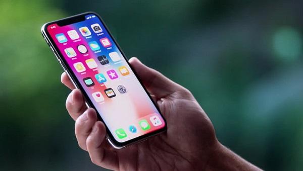 آیفون 10 (iPhone X)