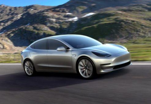 خودرو الکتریکی تسلا مدل ۳ با پیش بینی برنامه تولید فاصله زیادی دارد