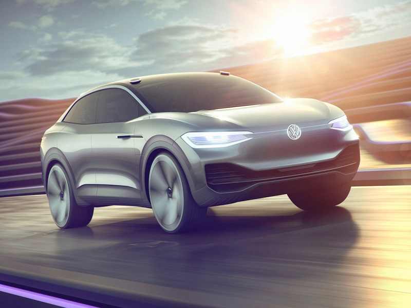 این کمپانی همچنین از یک کانسپت اس یو وی به نام آی دی کراز رونمایی کرد. این خودرو می تواند با یک بار شارژ کامل، مسافت 311 مایل (500.5 کیلومتر) را طی کند.