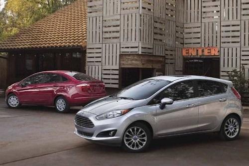 بهترین خودروهای هاچ بک ارزان تر از 20000 دلار : فورد فیستا اس ای 2017 هاچ بک (2017 Ford Fiesta SE Hatchback)