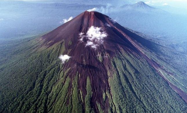 معرفی تعدادی از بزرگترین و قویترین آتشفشان ها در جهان
