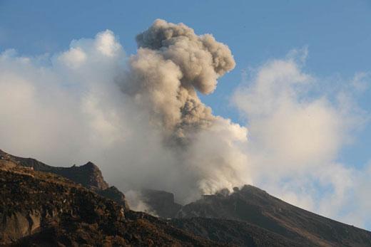 بزرگترین و قویترین آتشفشان ها در دنیا را بشناسید