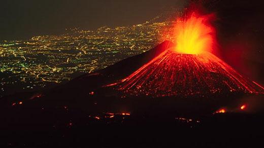 بزرگترین و قویترین آتشفشان ها در دنیا را بشناسیم