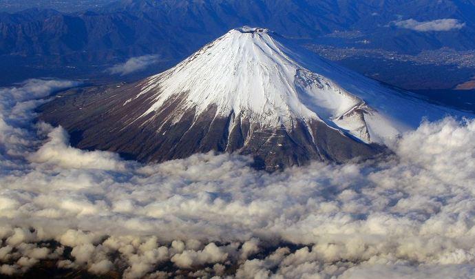 بزرگترین و قویترین آتشفشان ها در جهان را بشناسیم
