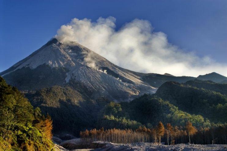 برخی از بزرگترین و قویترین آتشفشان ها در جهان
