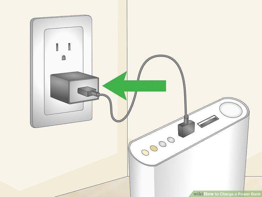 2. پاور بانک را به پریز دیواری متصل کنید. پاور بانک شما باید دارای یک کابل USB و یک آداپتور باشد. سر بزرگتر USB را به آداپتور دیواری متصل کنید و سر کوچکتر آن را به پاور بانک وصل کنید. پاوربانک را رها کنید تا شارژ شود.
