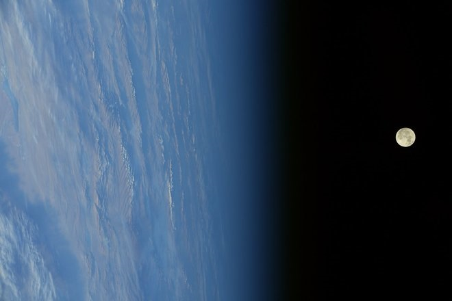 شاید برای شما جالب باشد که ابر ماه یکشنبه،۱۲ آذر، از نگاه فضانوردان ایستگاه فضایی بینالمللی (International Space Station) چگونه بوده است.