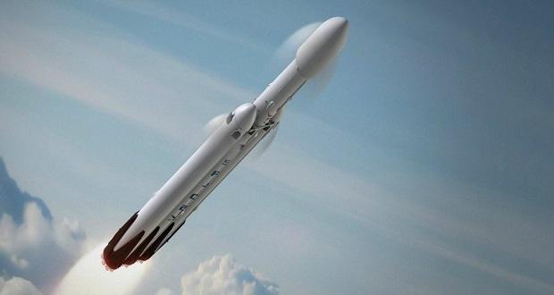 ایلان ماسک در ژانویه ۲۰۱۸ خودروی تسلا رودستر را به مریخ می فرستد