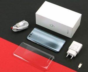 جعبه و بستهبندی آنر 9 مانند تمام محصولات هواوی ساده و جذاب است.