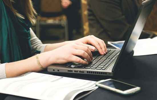 کدام دسته از افراد باید لپ تاپ دانشجویی بخرند؟