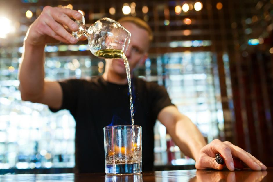 نوشیدن مشروبات الکلی