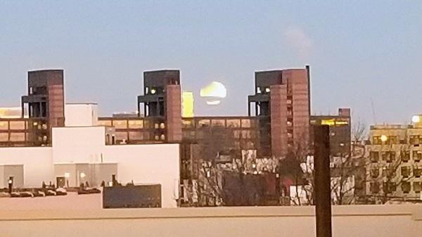 ماه گرفتگی ۱۱ بهمن بروکلین