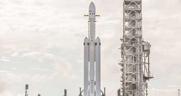 موشک فالکون هوی اسپیس ایکس ، آماده پرتاب به فضا