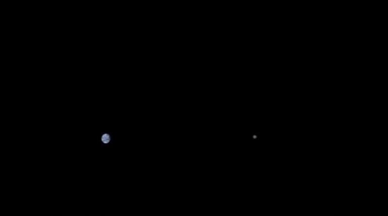 تصویر جونو از ماه و زمین