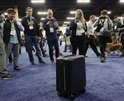 چمدان خودران CX1 در CES 2018 ؛ اولین چمدان دنیا که صاحبش را میشناسد