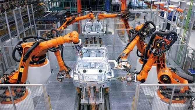 به عقیده کارشناسان تا سال ۲۰۴۵، دستگاههای مجهز به هوش مصنوعی قادر به انجام بسیاری از کارهای قابلتوجهی که انسان میتواند انجام دهد، خواهند بود. همچنین به عقیده کارشناسان، رانندگی در ۲۵ سال آینده بهصورت کاملا اتوماسیون انجام خواهد گرفت. در حال حاضر ۱۰ درصد مشاغل مرتبط به وسایل نقلیه است که بسیاری از این مشاغل (در آن زمان) بهکلی حذف میشوند