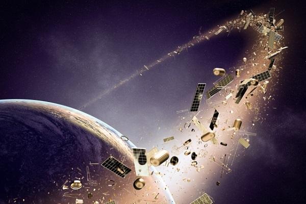 خطرات زبالههای فضایی
