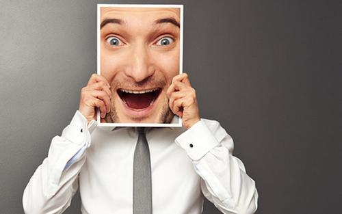 لبخند زدن از روش های مدیریت استرس