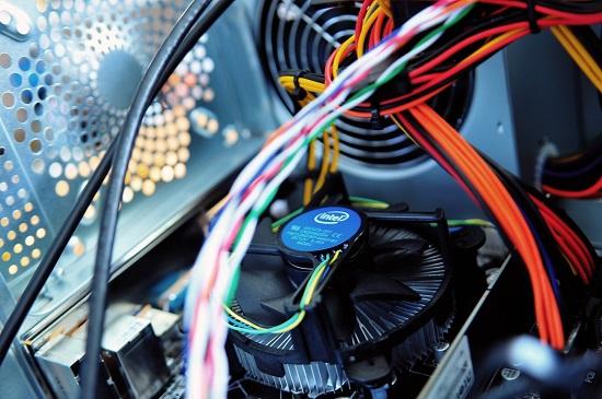 از فنها و خنک کنندههای بهتری استفاده کنید