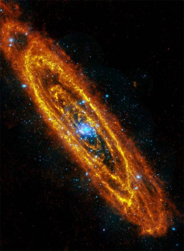 تصویر مادون قرمز از آندرومدا