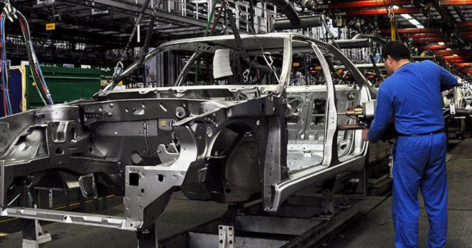 میزان داخلی سازی خودروها زیر سوال رفت! نوسانات ارز و افزایش قیمت خودرو