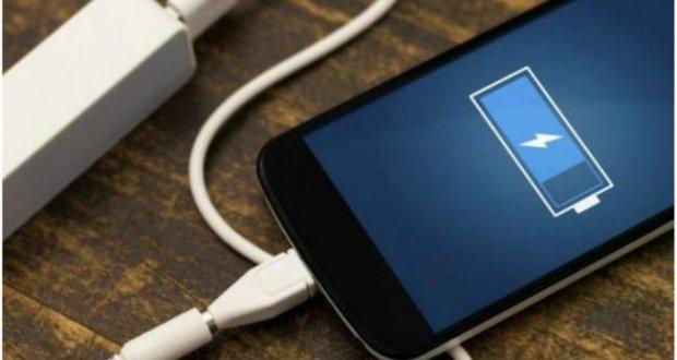 نحوه صحیح شارژ باتری آیفون ؛ مراقب گوشی آیفون خود باشید