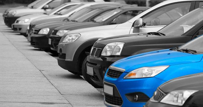 انتظار برای کاهش قیمت خودروها ؛ مسئولان اقدامی انجام نمیدهند!