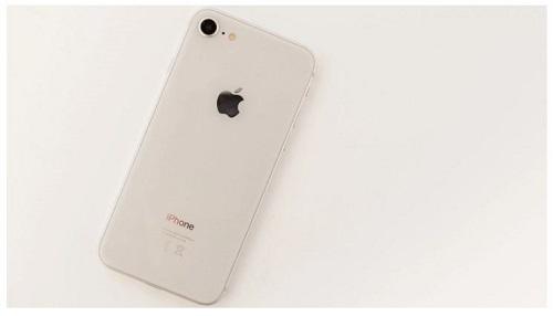 مقایسه سونی اکسپریا XZ2 با اپل آیفون 8 ؛ کدام گوشی را بخریم؟
