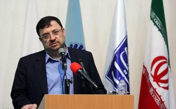 """فیروزآبادی میگوید که کانالهای تلگرام در واقع به نوعی """"لمپنیسم"""" را ترویج میدهند"""