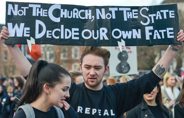 Risultati immagini per قانون ممنوعیت سقط جنین در ایرلند