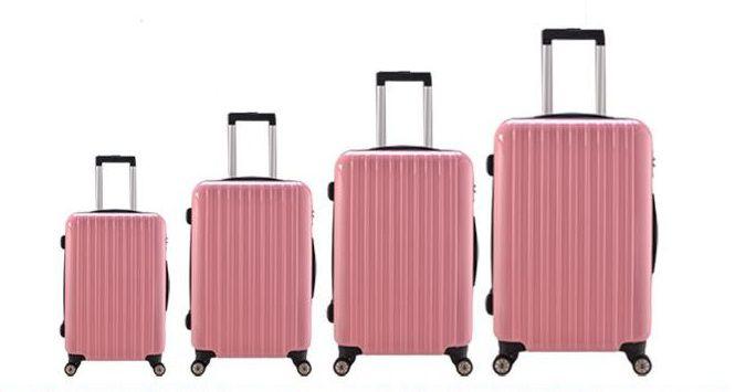 2. سعی کنید بسته به مدت زمان و مسافت طی شده برای رسیدن به مقصد گردشگریتان، وسایل مورد نیاز و اندازه چمدانتان را انتخاب کنید.